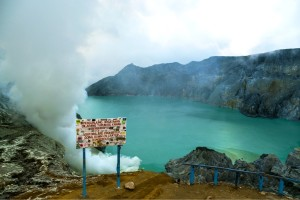 ijen crater tour from surabaya 2