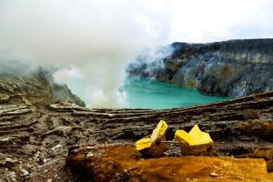 ijen crater tour from bali 3